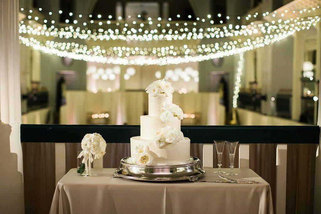 Wedding Cake | Lightner Museum Wedding Reception | Vintage Modern Wedding in St. Augustine Florida