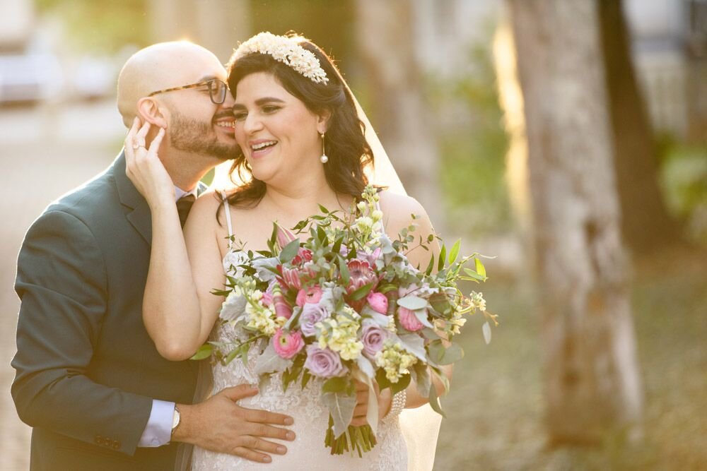 A Vibrant and Simple Wedding